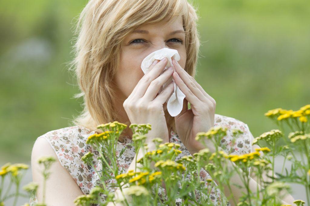 Pylová sezóna. Jak se správně postarat o pleť?